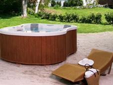 Гидромассажный бассейн спа Amore Bay в ландшафте (Подмосковье). Круглогодичная эксплуатация.