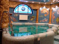 Бетонный бассейн, облицованный мозаикой
