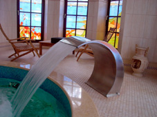 Оборудование бассейна: массажный водопад «Рондо»