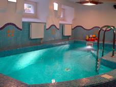Плавательный бассейн со скиммером